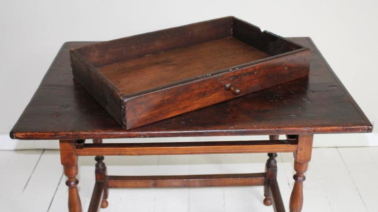 18th Century American Oak Tavern Table For Sale 4