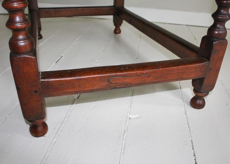 18th Century American Oak Tavern Table For Sale 2