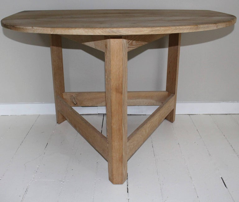 Contemporary Pair of Modern Demilune Tables For Sale