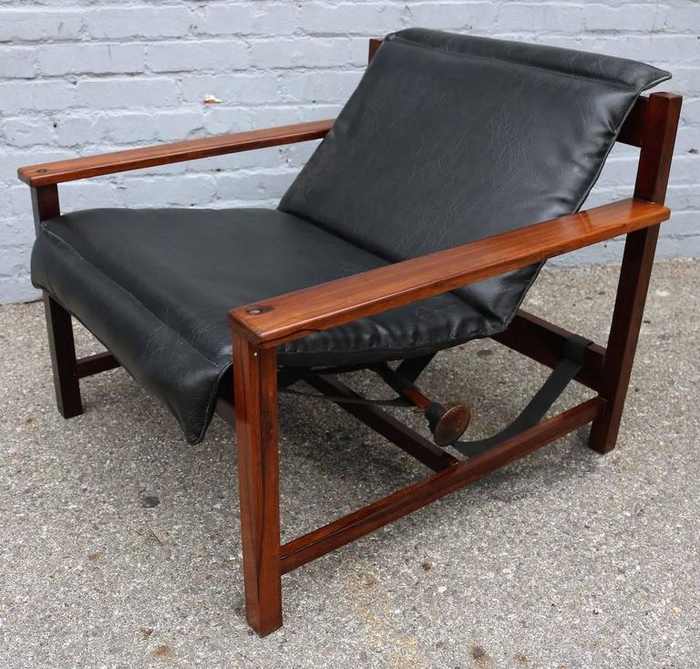 Mid-20th Century Pair of 1960s Brazilian Jacaranda Wood Reclining Lounge Chairs in Black Leather For Sale