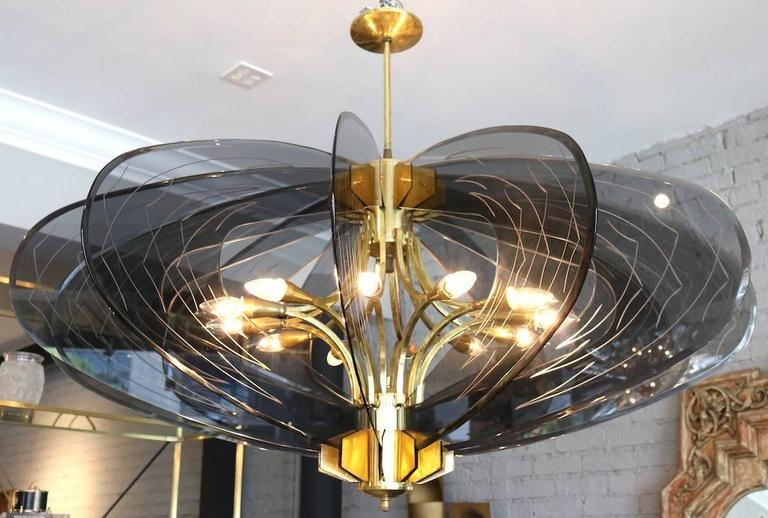 Smoked Glass 1960s Dominici Brass Chandelier For Sale 3