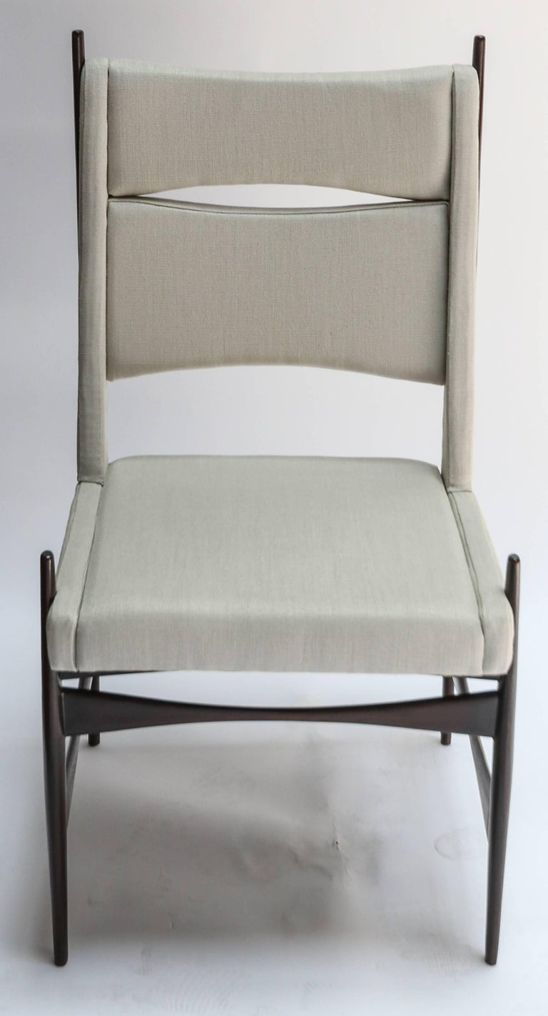 Mid-Century Modern Set of Ten 1960s Brazilian Dining Chairs in Beige Linen For Sale