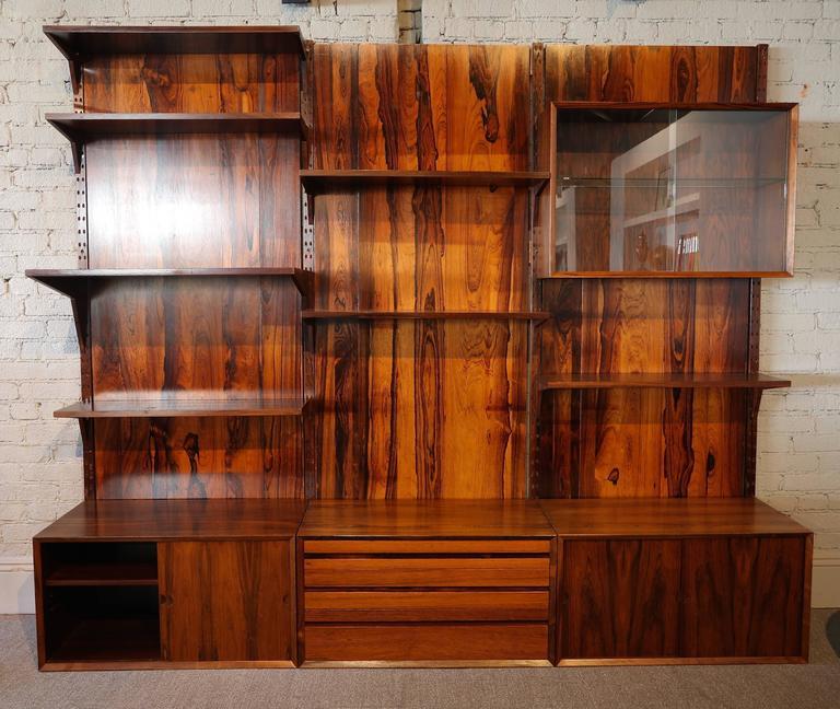 1960s Adjustable Brazilian Jacaranda Wood Shelving Unit For Sale 2