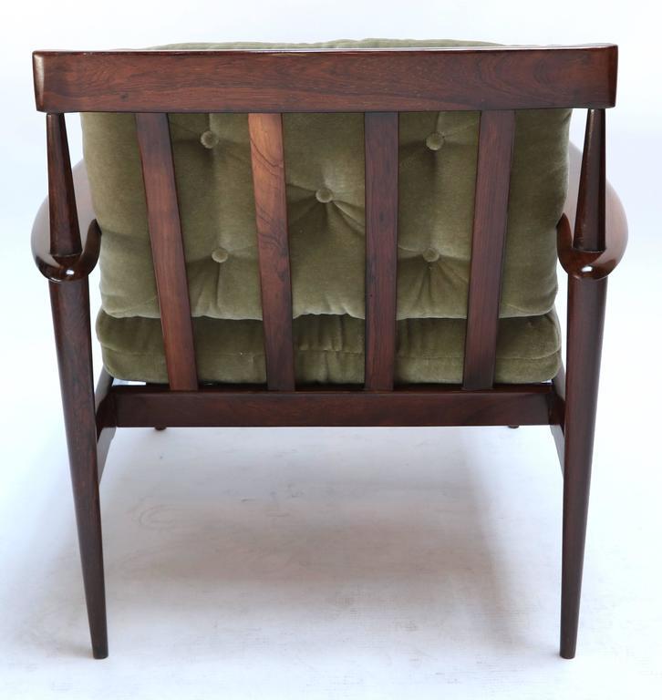 Mid-Century Modern Pair of Rino Levi Brazilian 1960s Jacaranda Armchairs For Sale