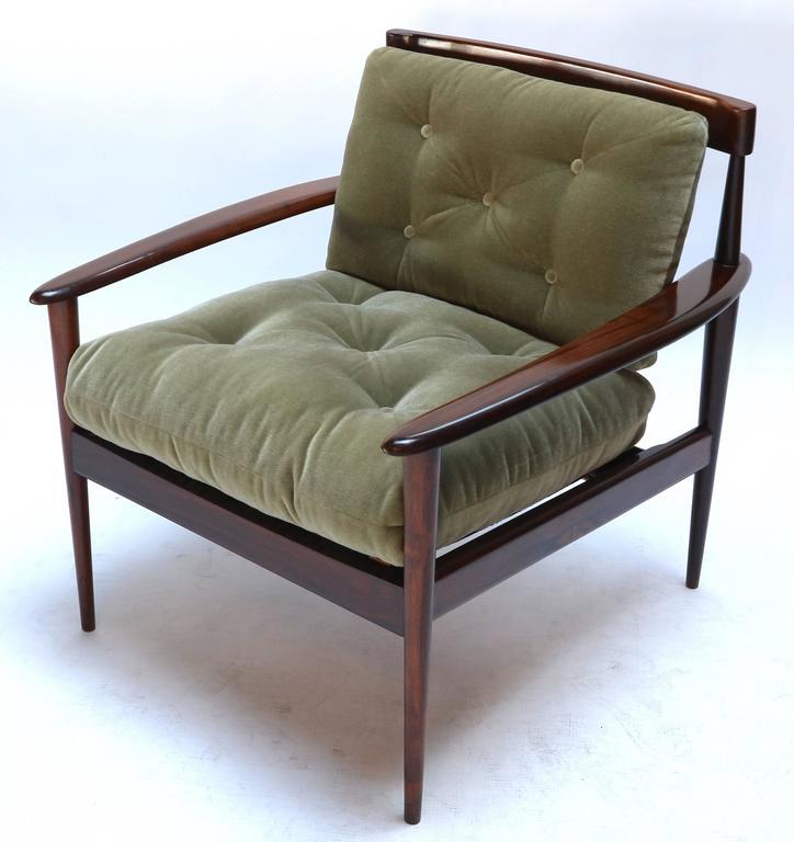 Mid-20th Century Pair of Rino Levi Brazilian 1960s Jacaranda Armchairs For Sale