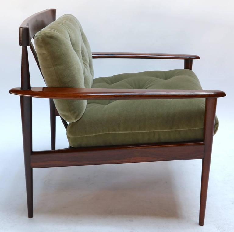 Pair of Rino Levi Brazilian 1960s Jacaranda Armchairs For Sale 1