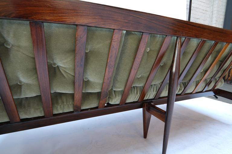 Rino Levi 1960s Brazilian Jacaranda Wood Sofa in Green Mohair For Sale 2