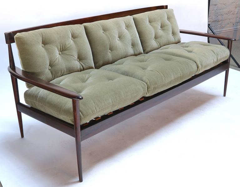 Rino Levi 1960s Brazilian Jacaranda Wood Sofa in Green Mohair In Good Condition For Sale In Los Angeles, CA