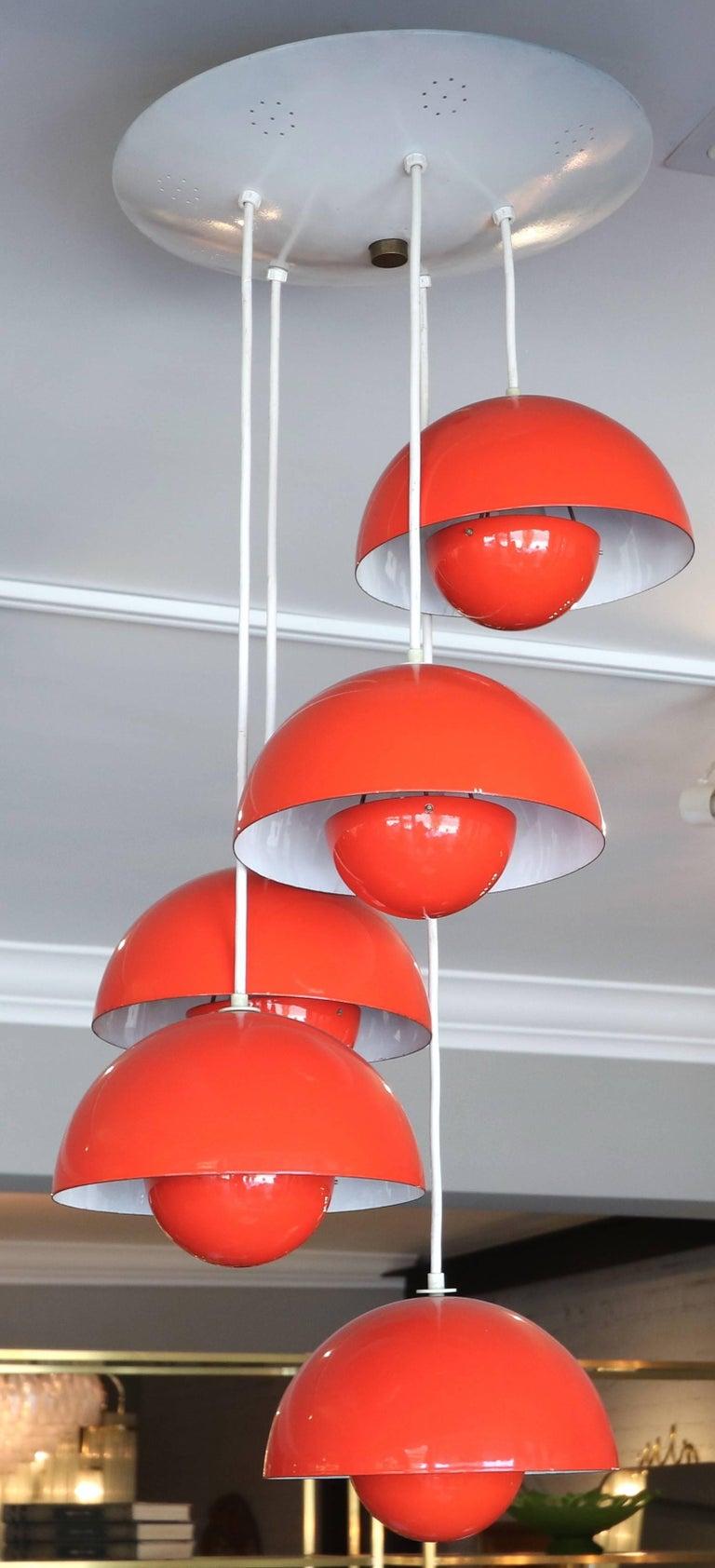 1970s big flower pot chandelier in red metal with five lights by Verner Panton.