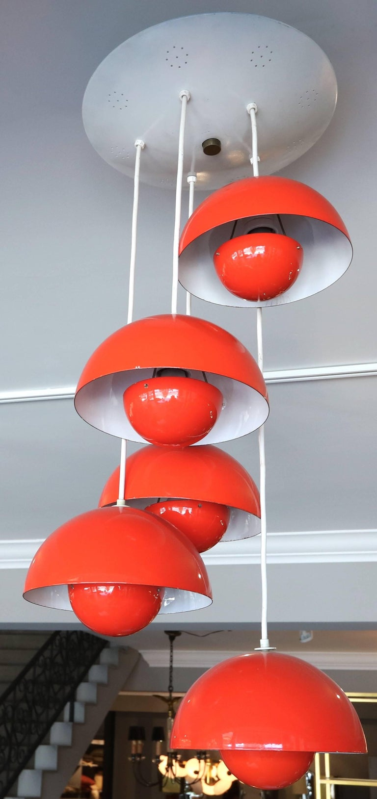 1970s Red Metal Big Flower Pot Chandelier by Verner Panton In Good Condition For Sale In Los Angeles, CA