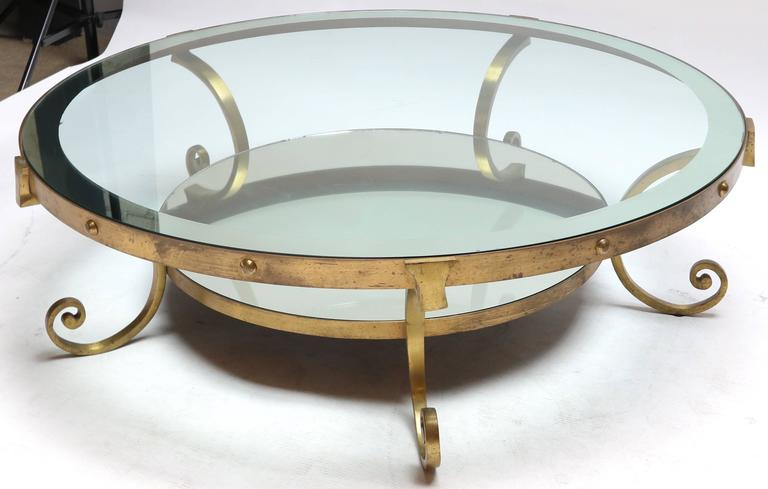 1950s Mexican Round Brass Coffee Table with Mirrored Glass For Sale 1