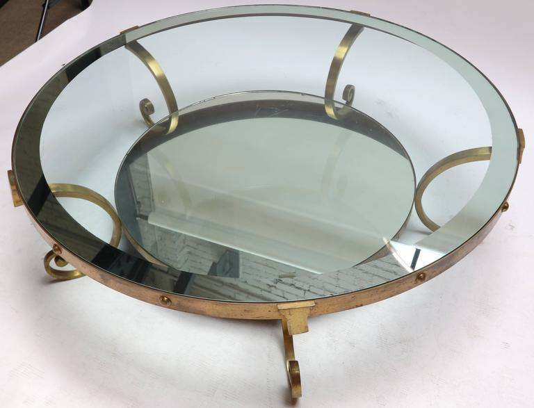1950s Mexican Round Brass Coffee Table with Mirrored Glass For Sale 3