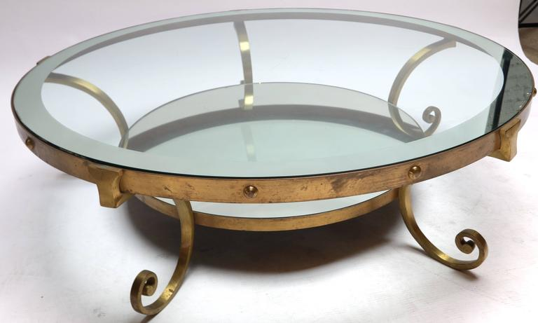 1950s Mexican Round Brass Coffee Table with Mirrored Glass For Sale 4