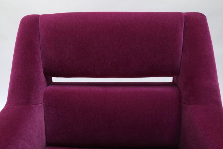 Pair of Custom 1960s Italian Style Armchairs in Fuchsia Mohair For Sale 1