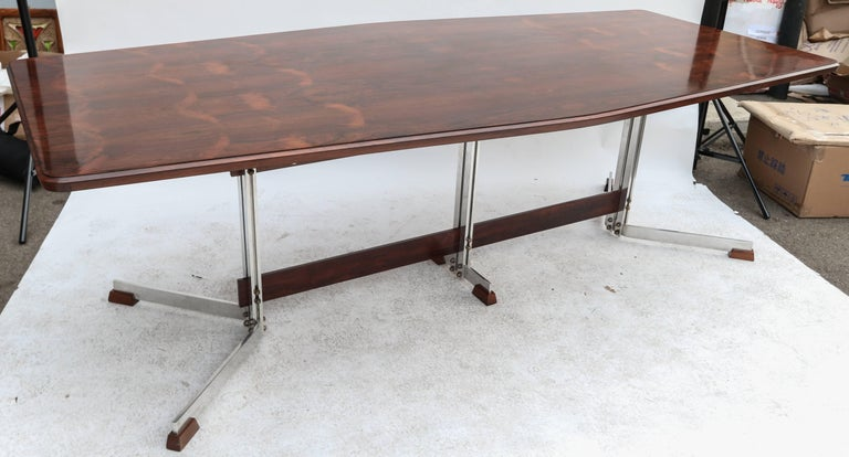 Brazilian Jacaranda 1960s Dining Table for Eight by Liceu de Artes In Good Condition For Sale In Los Angeles, CA
