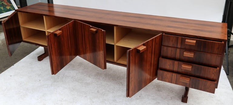 Mid-20th Century Novo Rumo 1960s Brazilian Jacaranda Sideboard For Sale