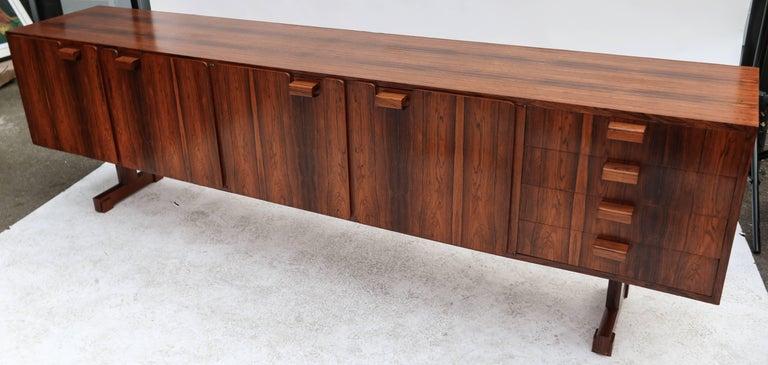 Mid-Century Modern Novo Rumo 1960s Brazilian Jacaranda Sideboard For Sale