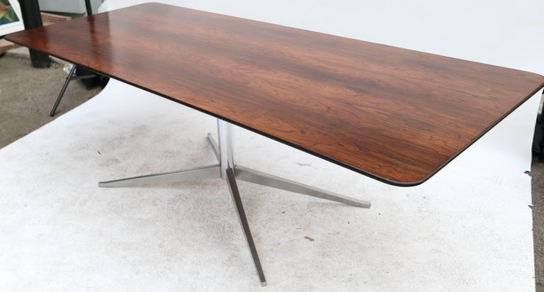 1960s Brazilian Jacaranda Dining Table by Forma In Good Condition For Sale In Los Angeles, CA