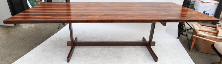 1960s Brazilian Jacaranda Dining Table In Good Condition For Sale In Los Angeles, CA