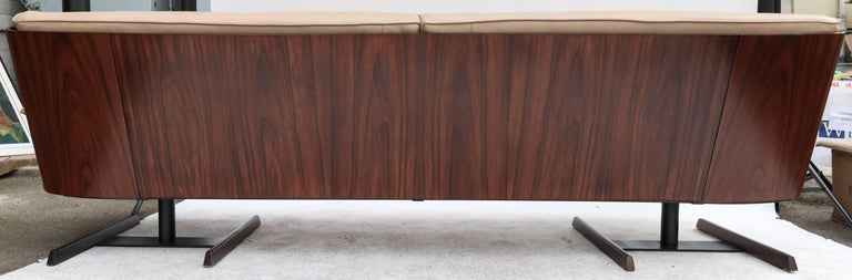 Novo Rumo 1960s Brazilian Jacaranda Sofa For Sale 2