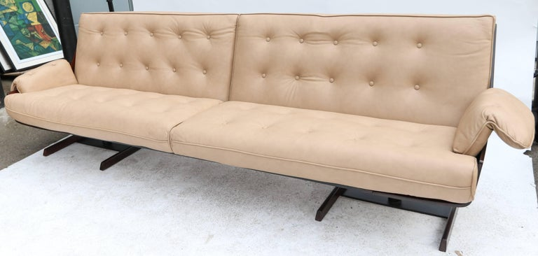 Mid-Century Modern Novo Rumo 1960s Brazilian Jacaranda Sofa For Sale