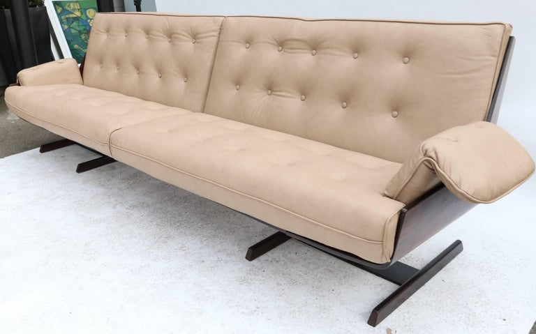Leather Novo Rumo 1960s Brazilian Jacaranda Sofa For Sale