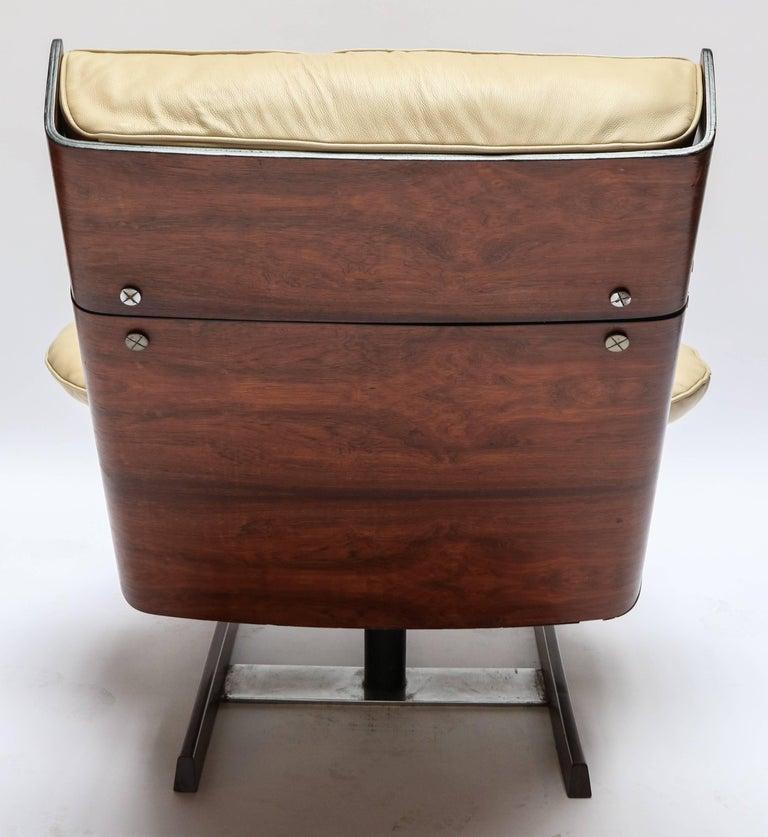 Mid-20th Century Pair of Novo Rumo 1960s Brazilian Jacaranda Lounge Chairs For Sale