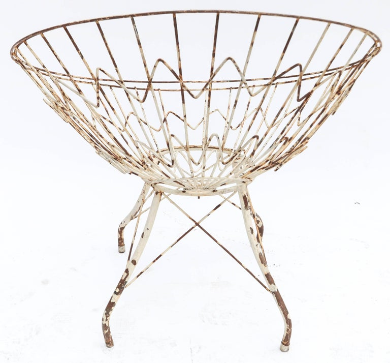 Pair of Round Metal Outdoor Garden Chairs For Sale 2