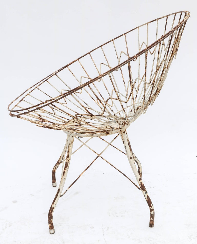 Mid-20th Century Pair of Round Metal Outdoor Garden Chairs For Sale