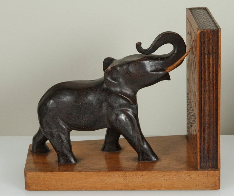 pair of art deco elephant bookends for sale at 1stdibs. Black Bedroom Furniture Sets. Home Design Ideas