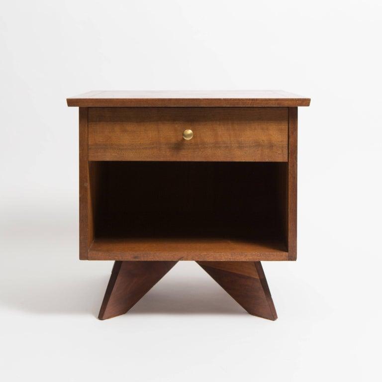 Pair of George Nakashima Walnut Bedside Tables, Mfg. Widdicomb For Sale 1