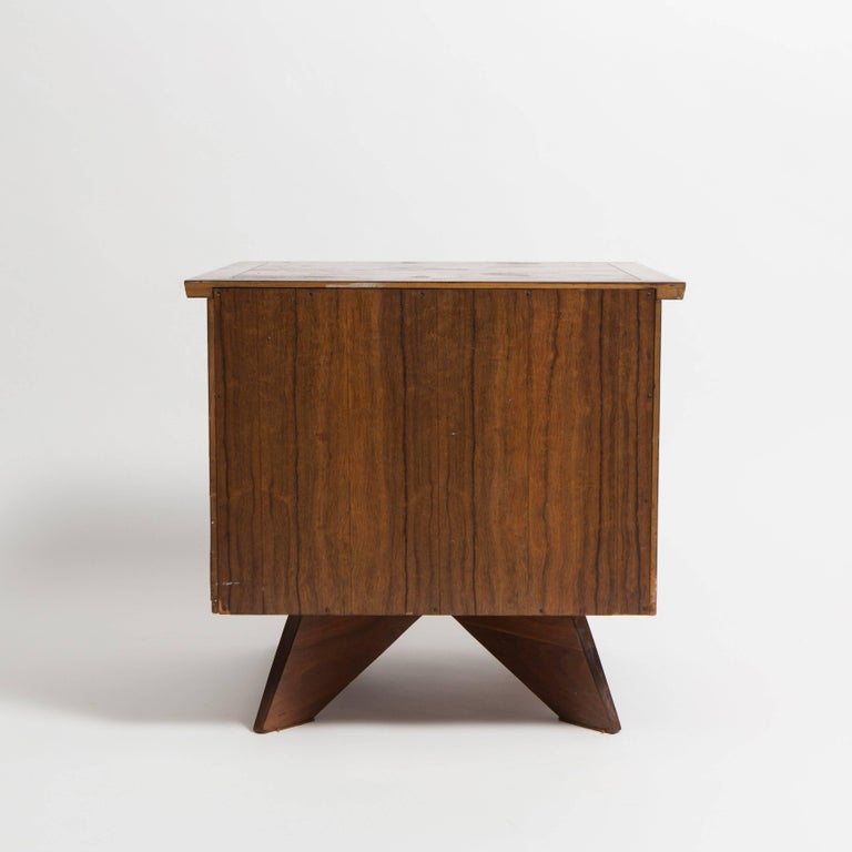 Pair of George Nakashima Walnut Bedside Tables, Mfg. Widdicomb For Sale 2