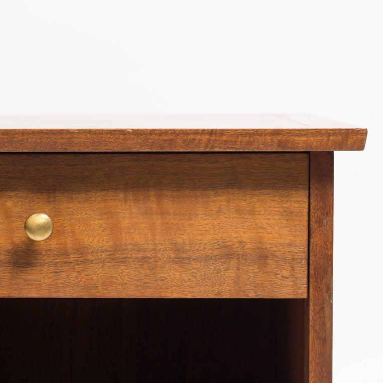 Pair of George Nakashima Walnut Bedside Tables, Mfg. Widdicomb For Sale 4
