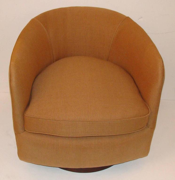 Pair Of Milo Baughman Tilt Or Swivel Tub Chairs 3