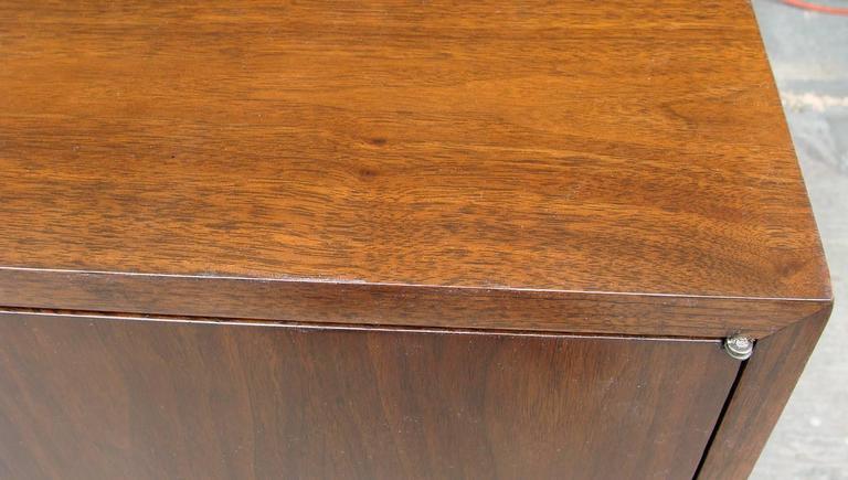 Superb Paul McCobb Dresser for Calvin For Sale 1