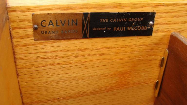 Superb Paul McCobb Dresser for Calvin For Sale 2