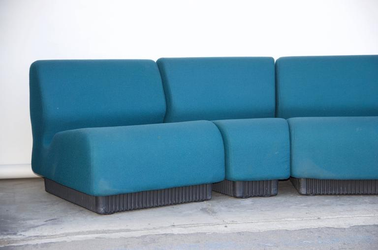 Modular settee by Don Chadwick for Herman Miller. Can also be used separately in the room.