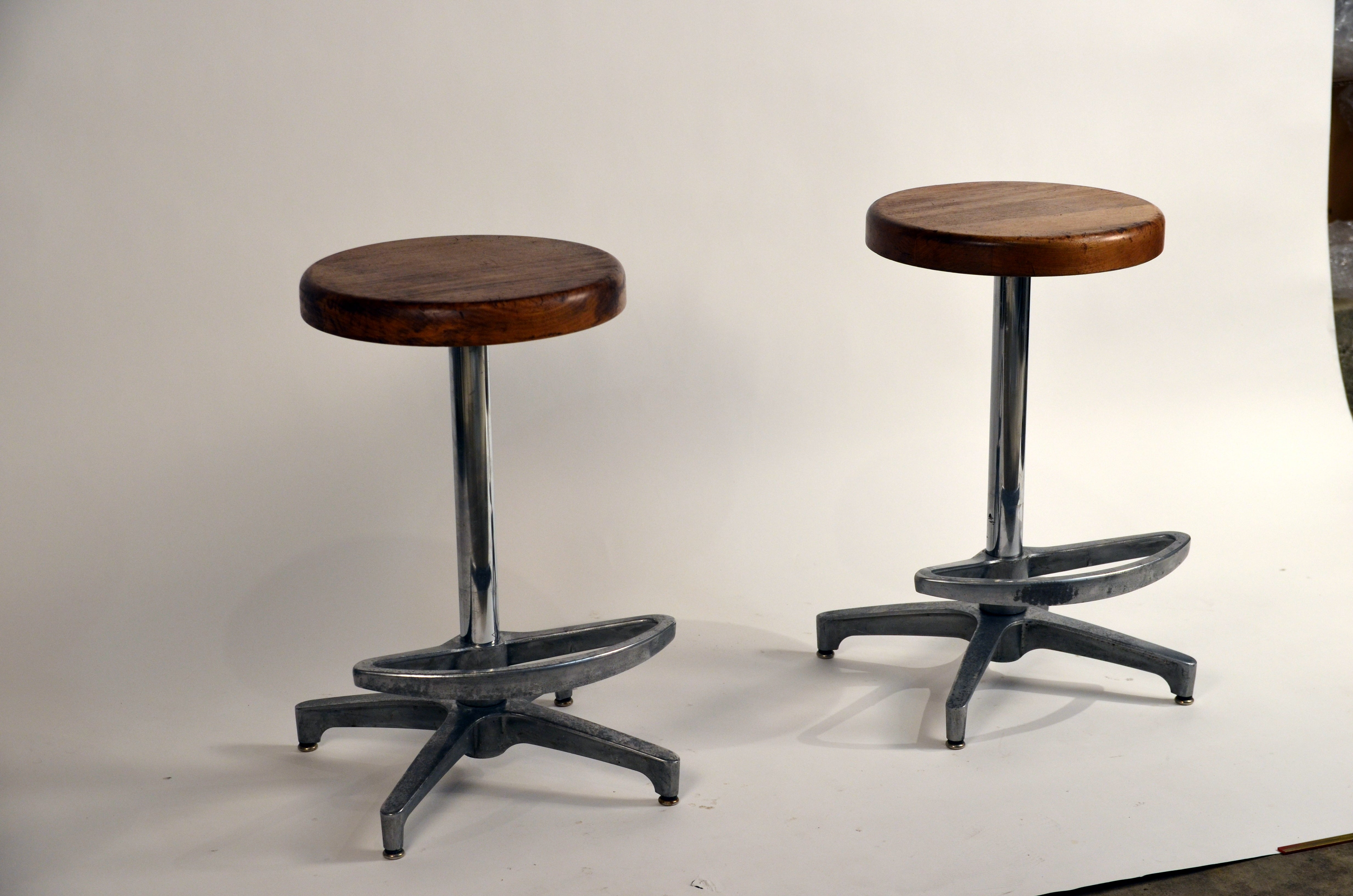 Pair Of Counter Height Swiveling Bar Stools For Sale At 1stdibs