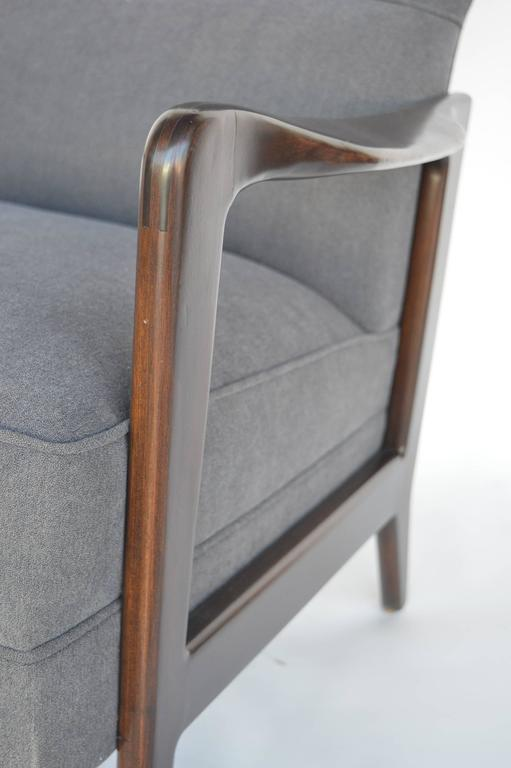 Pair of Italian Armchairs In Excellent Condition For Sale In Los Angeles, CA