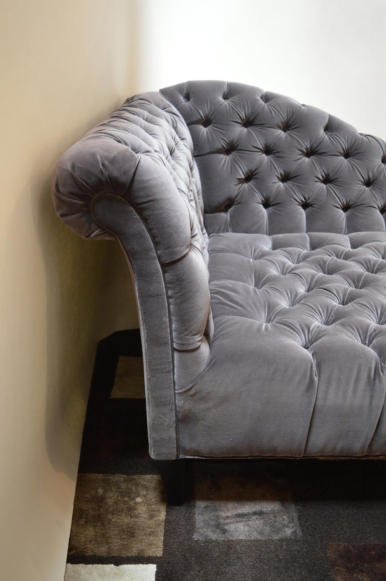 American Tufted Velvet Chaise Longue For Sale