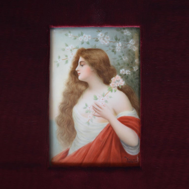 Set of Three Porcelain Plaques Germany KPM circa 1900s In Good Condition For Sale In Los Angeles, CA