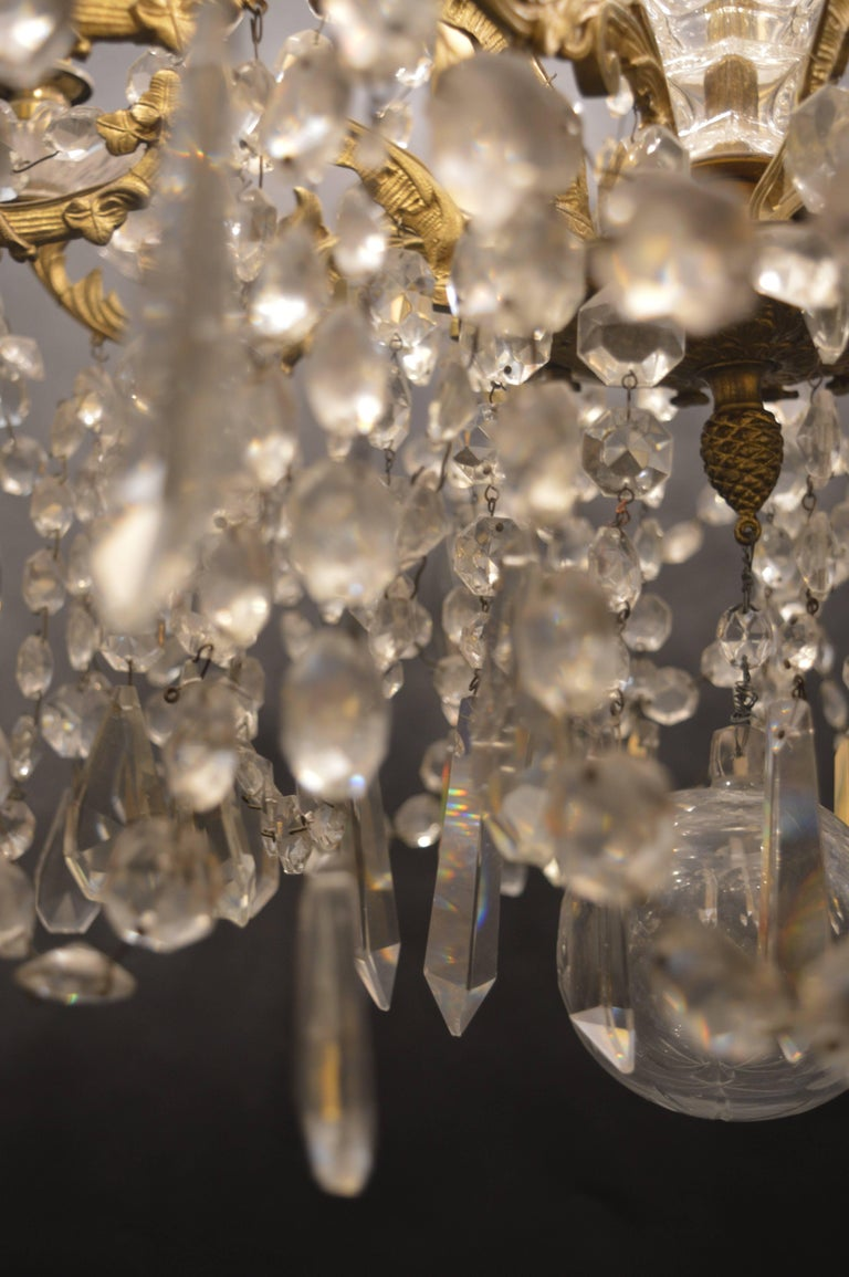 French Chandelier In Excellent Condition For Sale In Los Angeles, CA