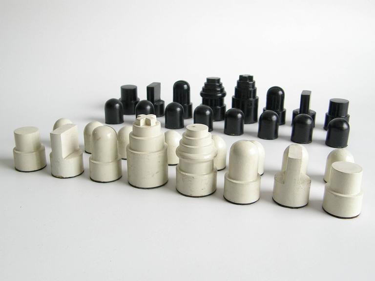 Allan Calhamer Chess Set 3
