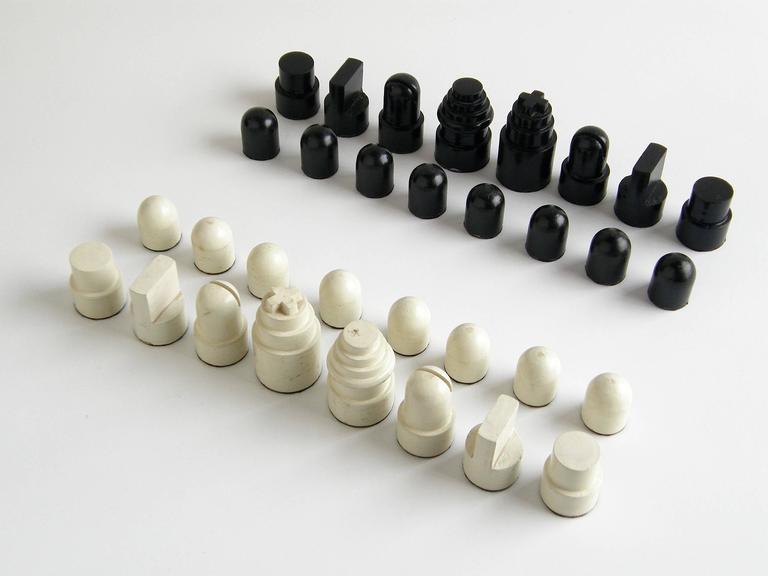 Allan Calhamer Chess Set 2