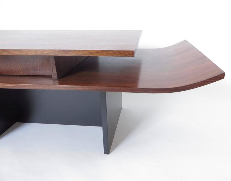 Italian Two-Level Rosewood Coffee Table with One Drawer on Black Laminate Base For Sale 4