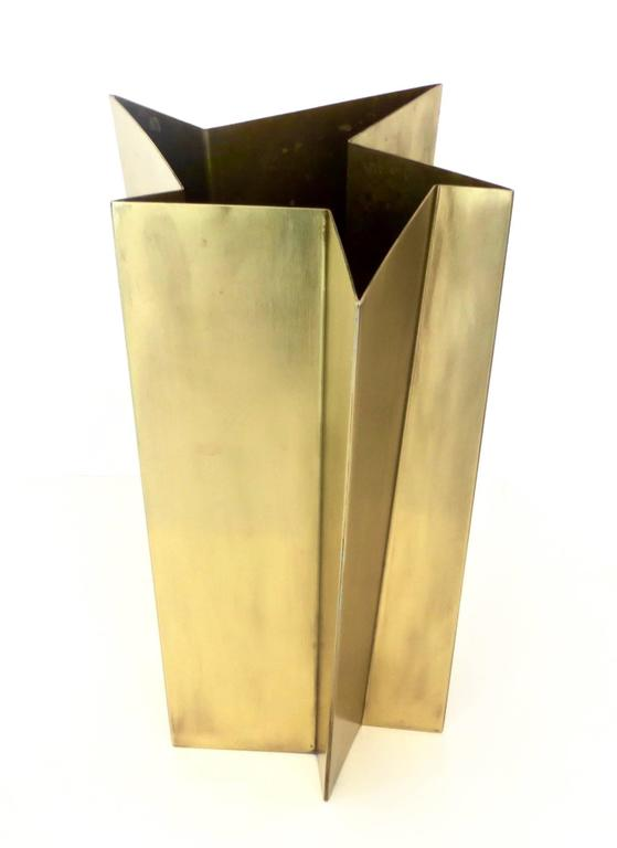 Modern Italian Star Form Brass Vase by Tommaso Salocchi, Studio Salocchi For Sale