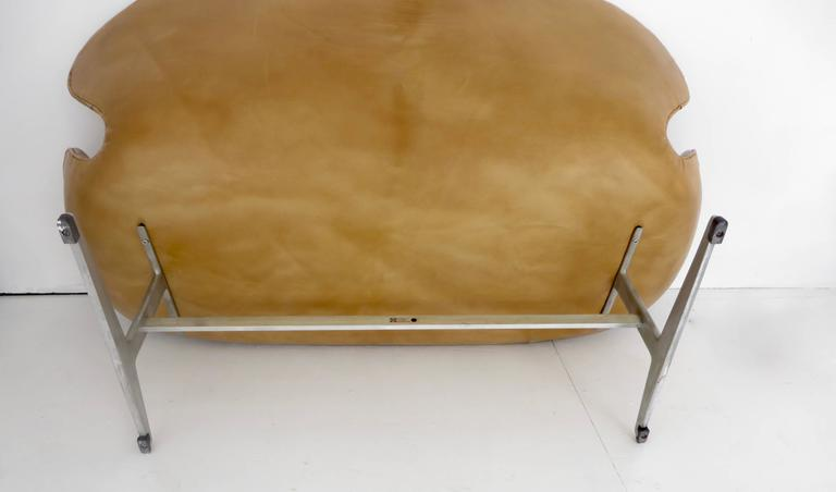 Arne Jacobsen Swan Settee or Sofa Model 3321, Denmark, 1958 5