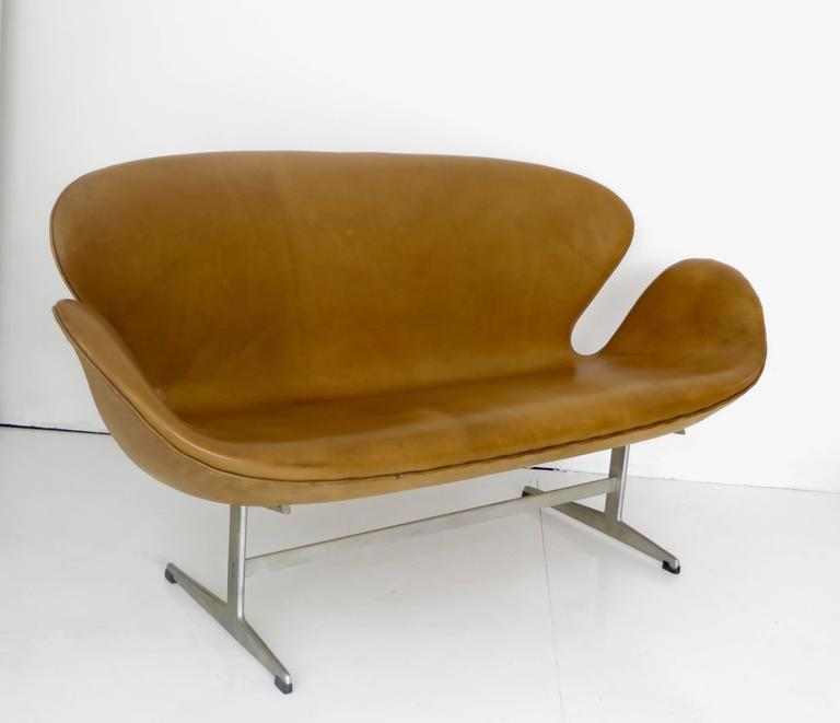 Arne Jacobsen Swan Settee or Sofa Model 3321, Denmark, 1958 6