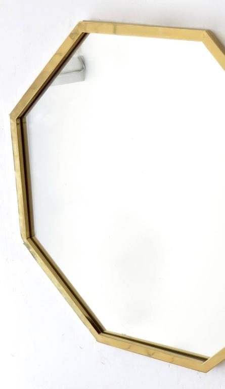 Octagonal Italian Brass Framed Mirror In Excellent Condition For Sale In Chicago, IL