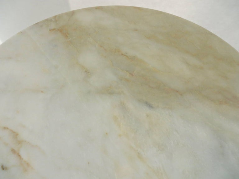 Vintage Italian Round Onyx Dining or Centre Table in Warm Tones of Cream 8